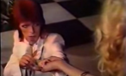 Sorrow: il video di David Bowie con Amanda Lear